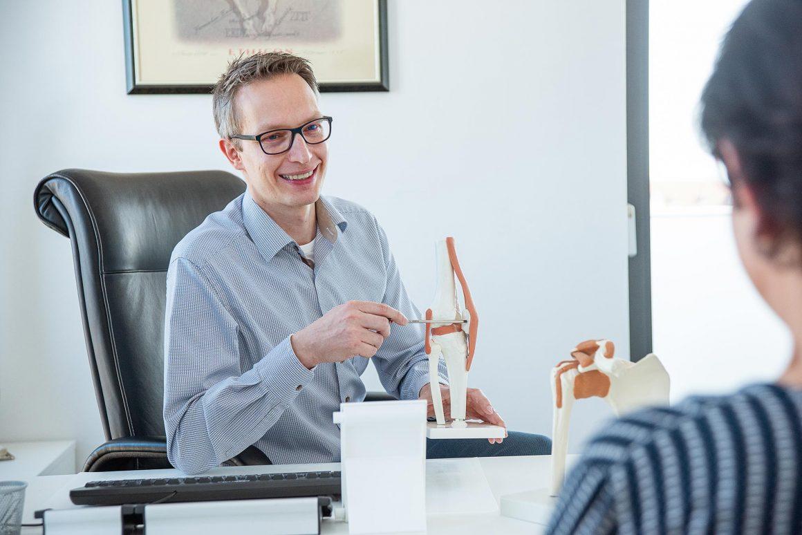Praxis für Orthopädie und Unfallchirurgie Bielefeld - Dr. med Ruben Siebeneck