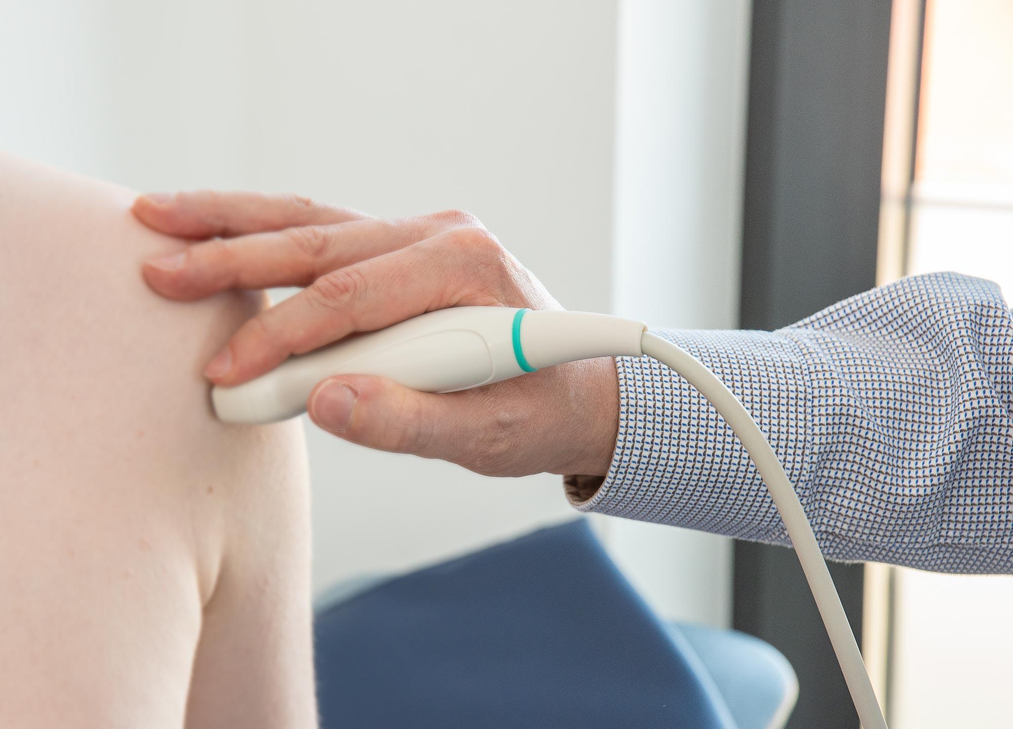 Ultraschallbehandlung in der orthopädischen Praxis Bielefeld